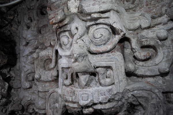 tempio-maya-scoperta-2012-dio-del-sole
