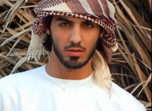 espulso-sexy-emirati-arabi-02