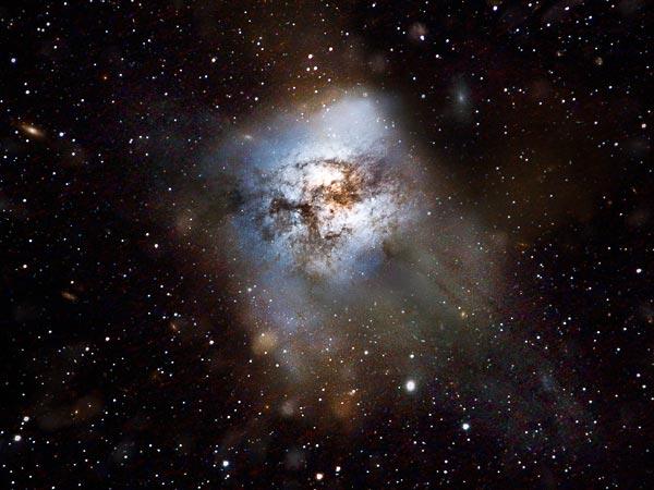 Scoperta la galassia con la più elevata formazione stellare dell'Universo: 2900 Soli all'anno. La foto
