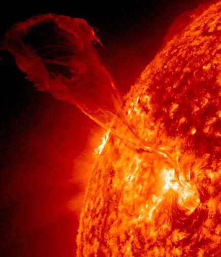 filamento-solare-coda-di-drago.