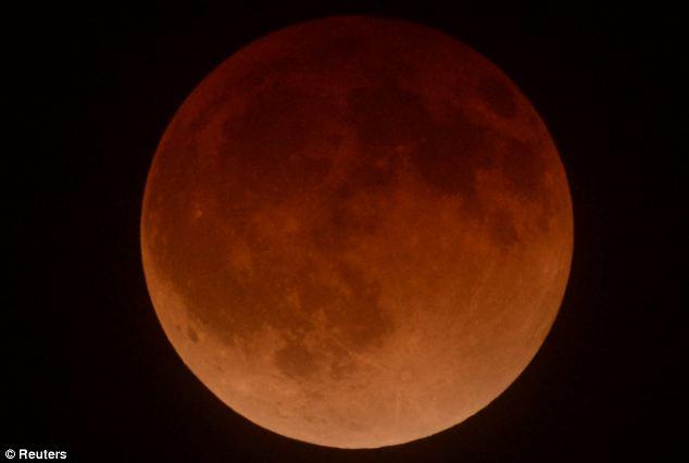 Luna, collisione, terra, nascita, teia 4