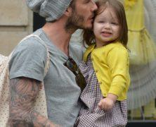 Baci baci e ancora baci David Beckham pazzo d'amore per la sua Harper. Le foto