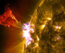 L'ennesimo brillamento solare immortalato dall'SDO: guarda la straordinaria foto