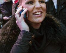 Ora che non succhia più il calippo su Telecafone la fidanzata di Berlusconi vuole appellarsi al Papa per salvarlo