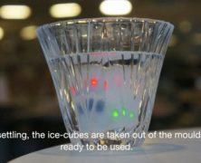 Studente del MIT inventa i cubetti di ghiaccio digitali che ti avvisano quando sei troppo ubriaco
