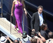 Sharon Stone glamour a Cannes, ospite sullo yacth di Roberto Cavalli: le foto