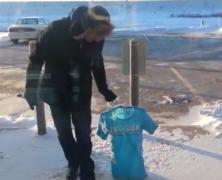 U.S.A.: il freddo record ghiaccia la maglietta in 60 secondi. guarda l'incredibile video