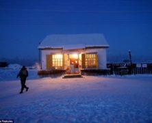 Le straordinarie fotografie del villaggio più freddo del pianeta, Oymyakon, dove le temperature minime scendono sotto i 71 gradi centigradi e l'inchiostro si congela nelle biro – 2/2